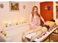 trans-massaggiatrice-esegue-massaggi-rilassanti-a-singoli-e-coppie-small-2