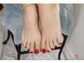 piedi-porcelli-feticismo-dei-piedi-footjob-casalinghi-con-sperma-sui-piedi-small-0